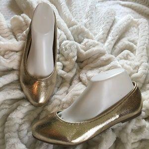 *NWOT* Torrid Metallic Gold Flats, Size 8W
